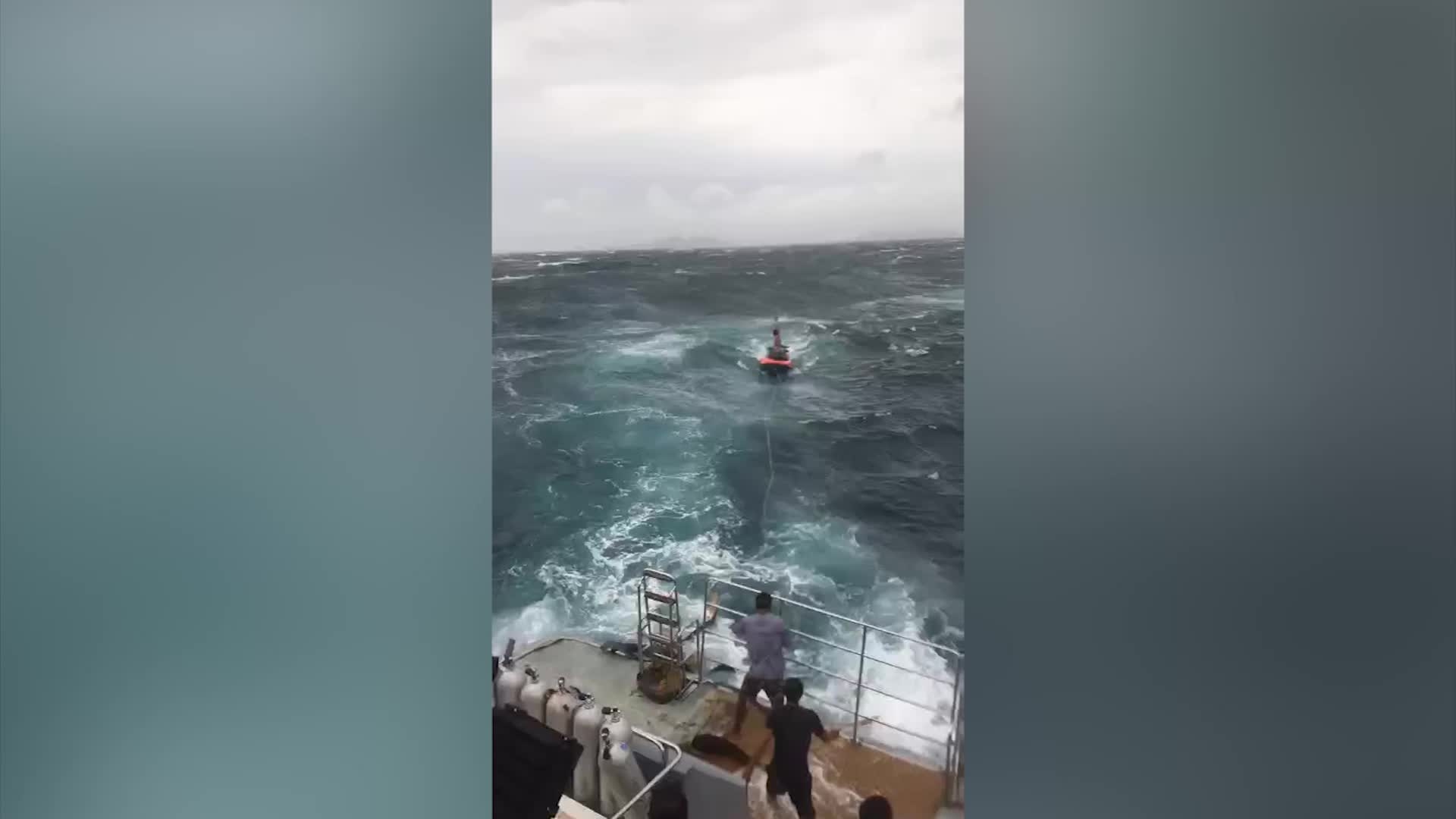 泰国普吉岛沉船事故 浙视频拍友直击救援现场