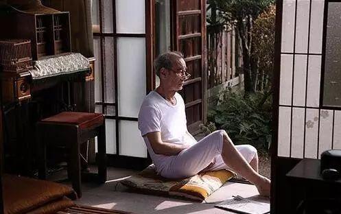 日本年轻人志愿陪伴独居老人