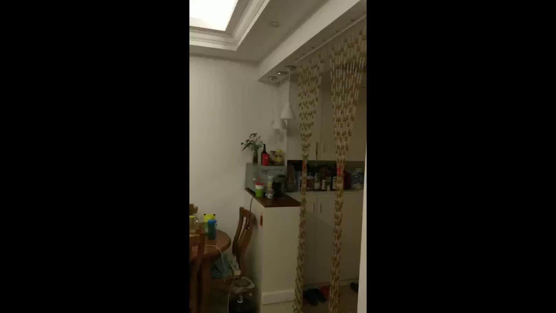 实拍:云南通海地震 房内吊灯旋转绕圈