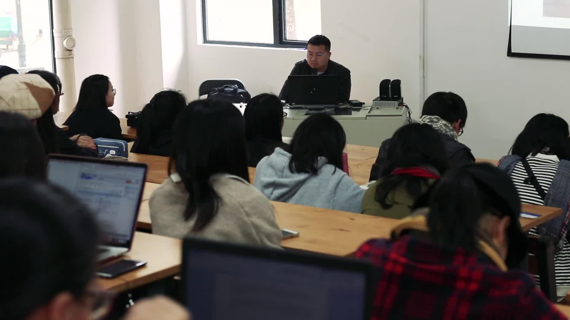 """""""你好新青年""""浙视频进高校"""