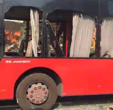 杭州彩灯街附近餐馆煤气瓶爆炸,火光冲天2