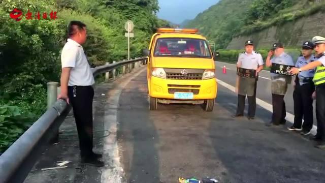 滴滴车司机凌晨被乘客挟持 高速交警及时救援