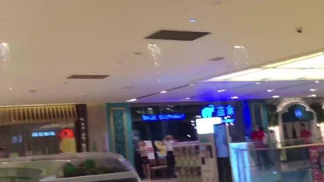 """宝龙城昨晚的""""水帘洞"""",究竟是怎么回事"""