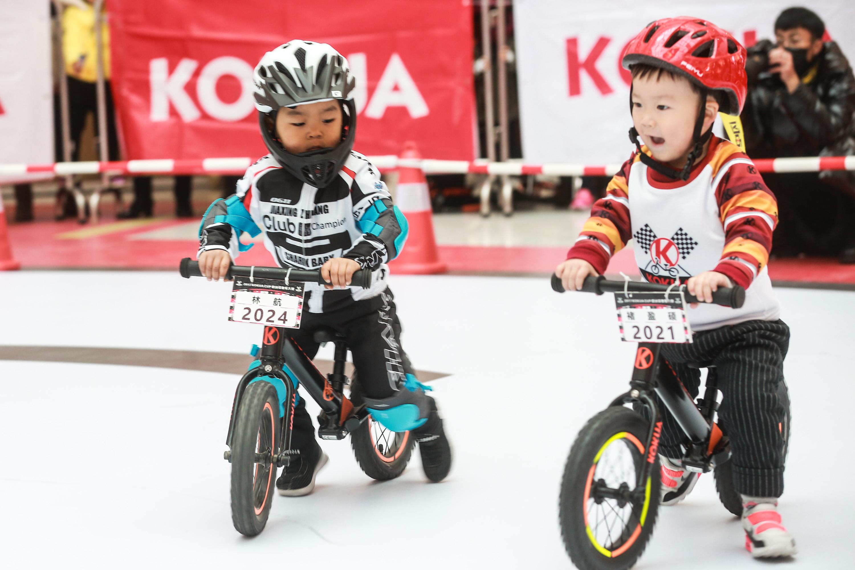 杭州儿童平衡车大赛 整场比赛都是萌萌哒