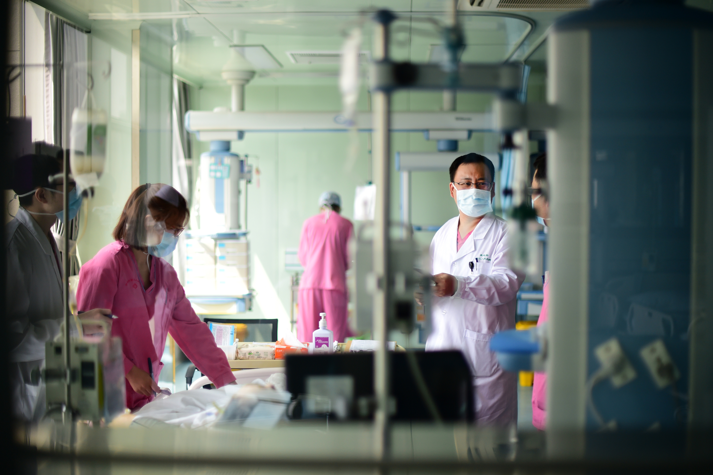 生死线上的较量 在重症监护室工作是种怎样的体验?