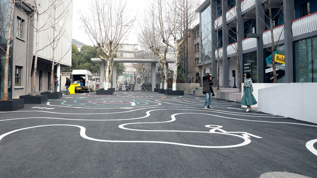 创意达人拍照圣地:杭州线性公园用满地线条呈现视觉盛宴