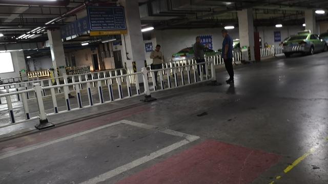 调查:湖州高铁站出租车拒载挑客现象几时休