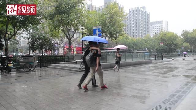 中秋街采:过节需要仪式感 不喜欢高价月饼