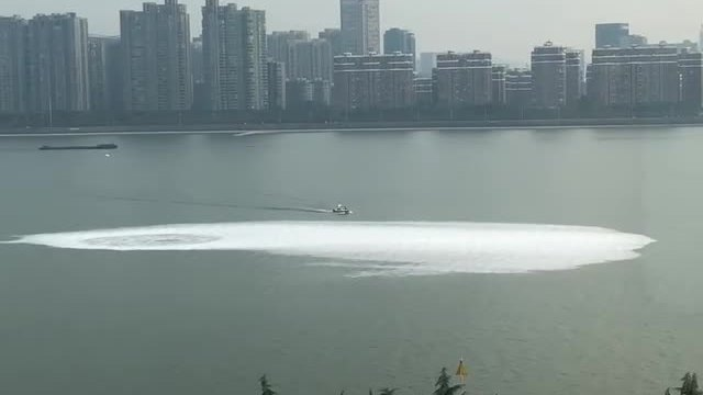 钱塘江中冒出的泡沫是地铁盾构发泡剂和沼气引起